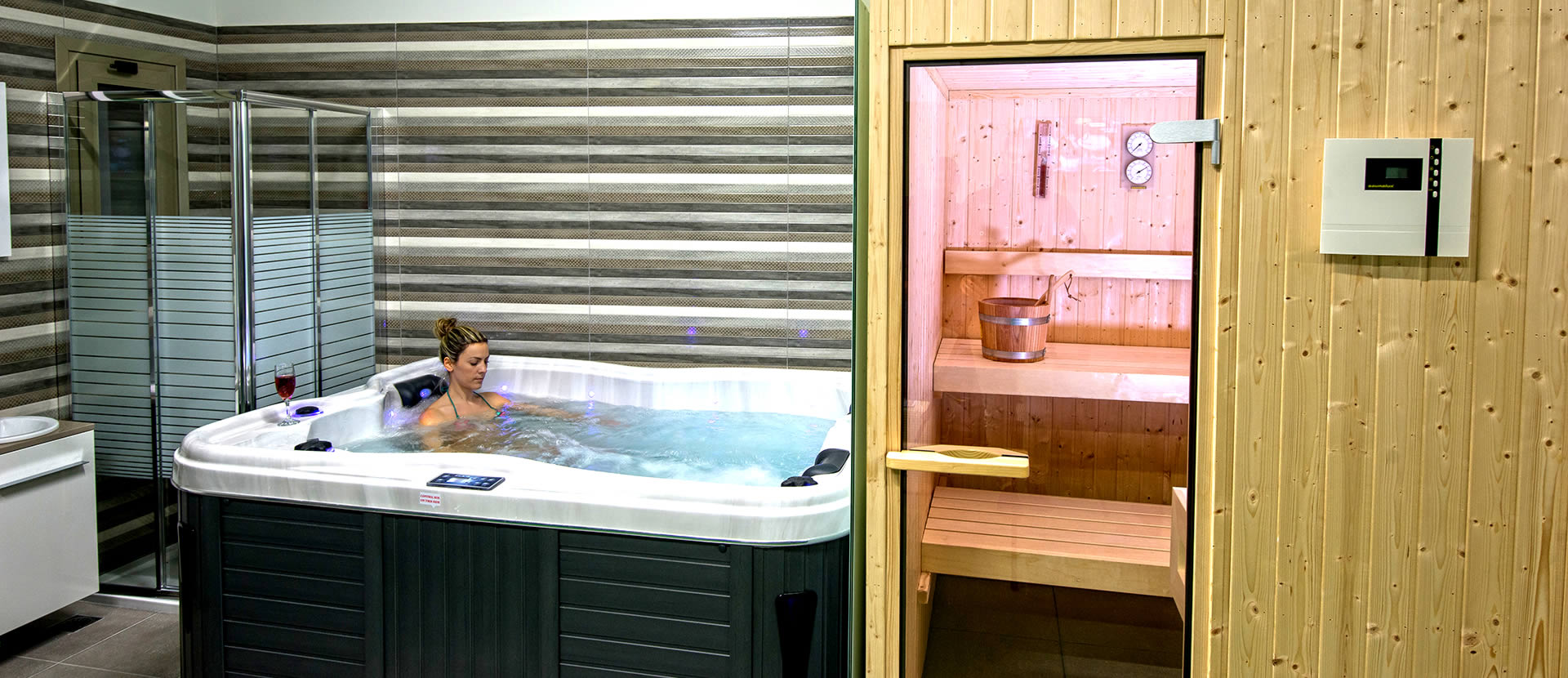 Professional Wellness facilities with Gym, Jacuzzi, Sauna, Tartan Track & Turf.